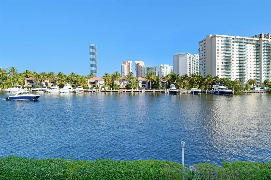 Real Estate Photography - 19565 NE 37th Ave, Aventura, FL, 33180 - View
