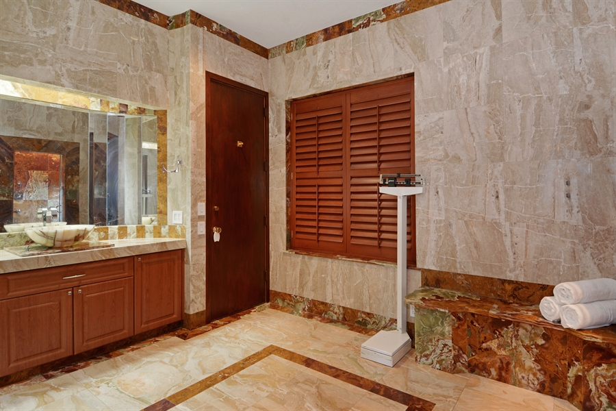 Real Estate Photography - 19565 NE 37th Ave, Aventura, FL, 33180 - His bathroom