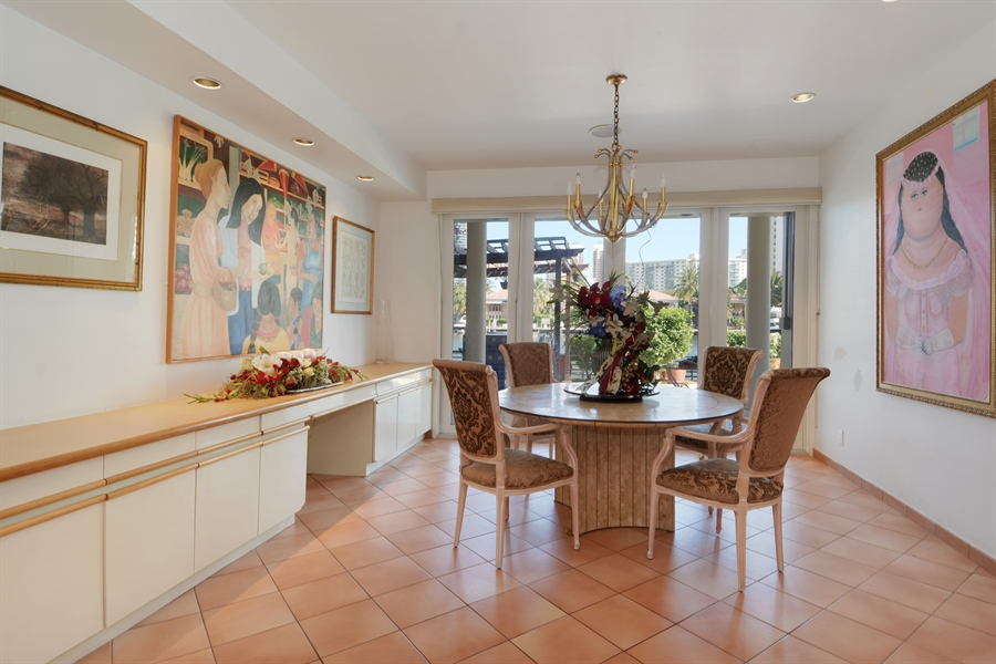 Real Estate Photography - 19565 NE 37th Ave, Aventura, FL, 33180 - Breakfast Room