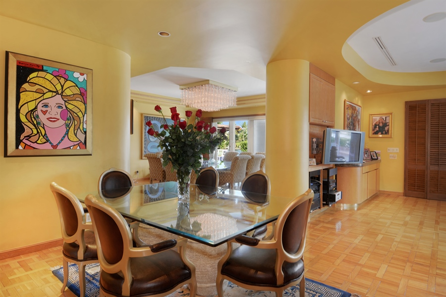 Real Estate Photography - 19565 NE 37th Ave, Aventura, FL, 33180 - Dining Area