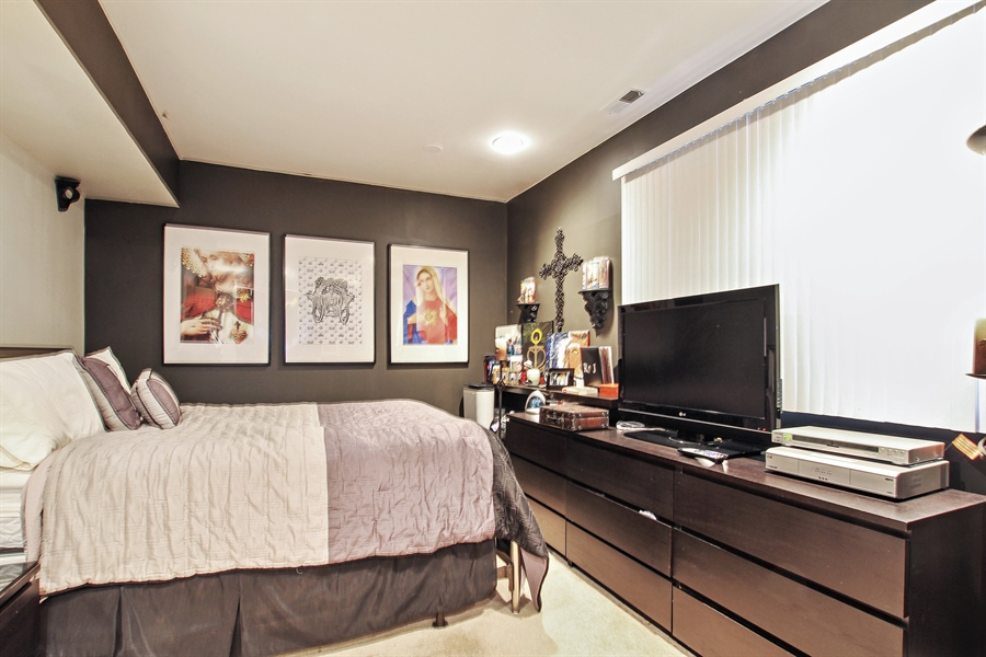 Real Estate Photography - 719 W 31st St, Chicago, IL, 60616 - 3rd Bedroom