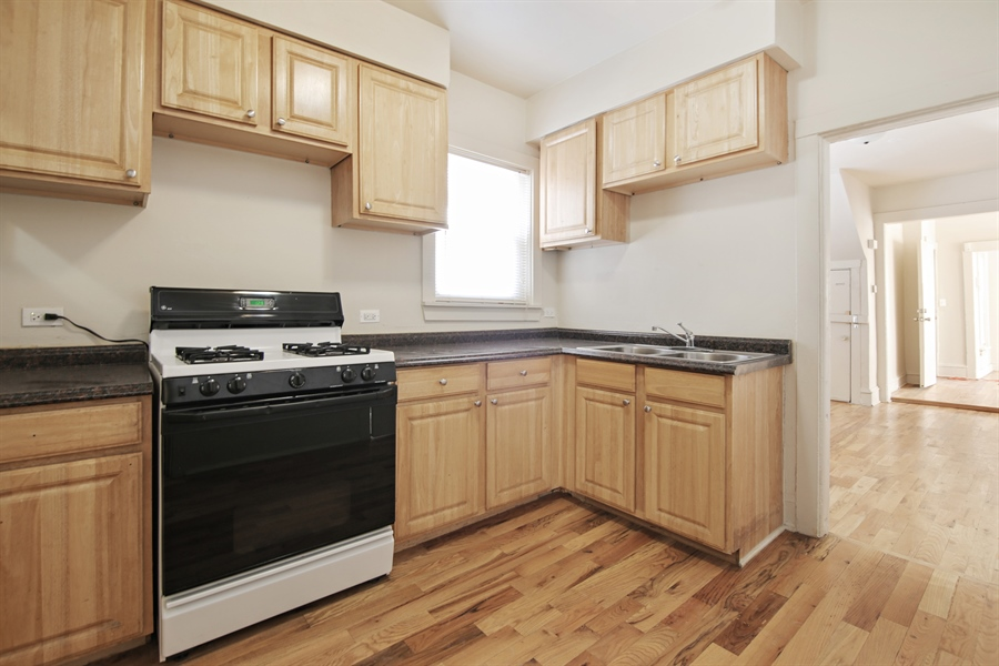 Real Estate Photography - 1818 Dodge Ave, Unit 1, Evanston, IL, 60201 - Kitchen