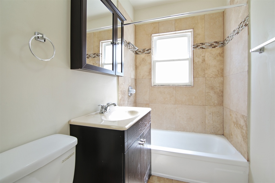 Real Estate Photography - 1818 Dodge Ave, Unit 1, Evanston, IL, 60201 - Bathroom