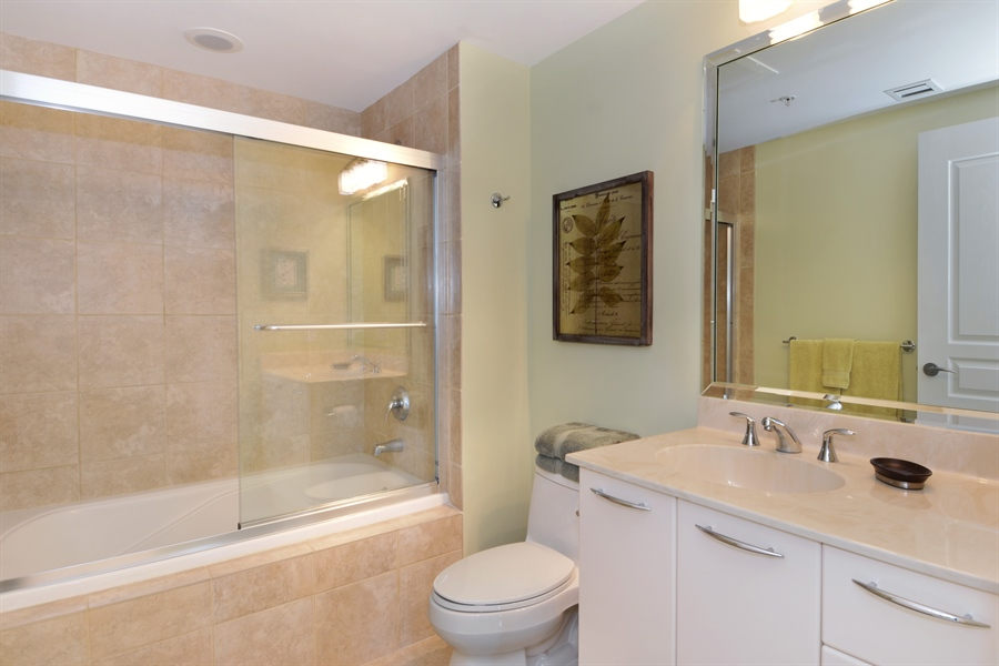 Real Estate Photography - 350 SE 2nd St, 2820, Fort Lauderdale, FL, 33301 - Bathroom