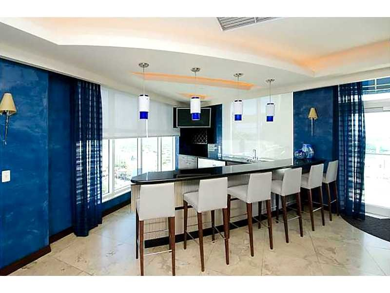 Real Estate Photography - 350 SE 2nd St, 2820, Fort Lauderdale, FL, 33301 - Clubroom Bar