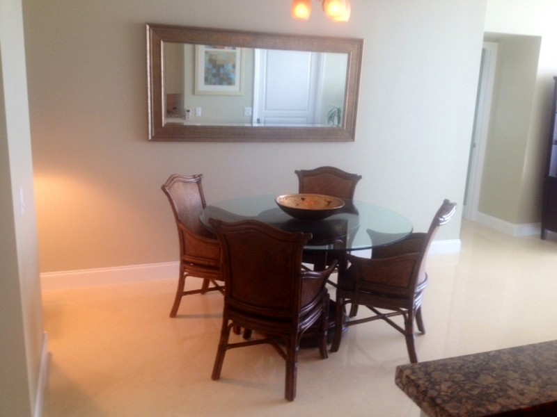Real Estate Photography - 350 SE 2nd St, 2820, Fort Lauderdale, FL, 33301 - Dining Room