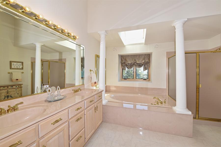 Real Estate Photography - 6812 Fieldstone Dr, Burr Ridge, IL, 60527 - Master Bathroom