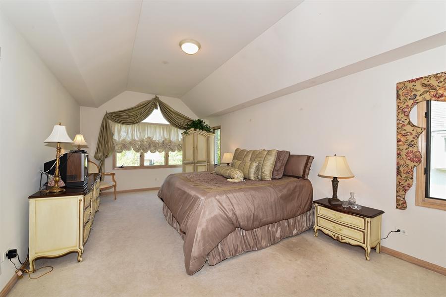 Real Estate Photography - 6812 Fieldstone Dr, Burr Ridge, IL, 60527 - Master Bedroom
