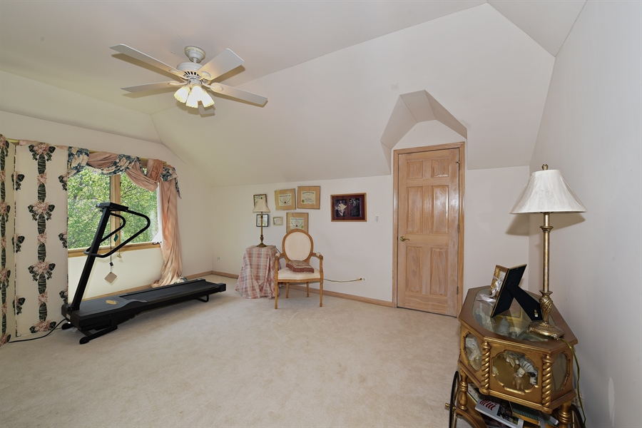 Real Estate Photography - 6812 Fieldstone Dr, Burr Ridge, IL, 60527 - 3rd Bedroom