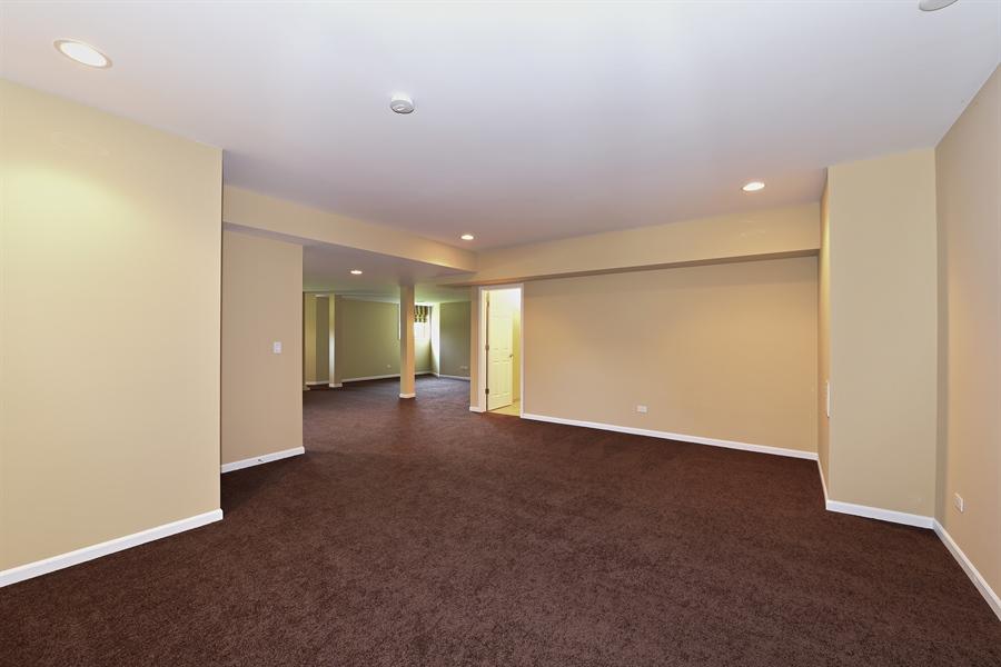 Real Estate Photography - 6812 Fieldstone Dr, Burr Ridge, IL, 60527 - Lower Level
