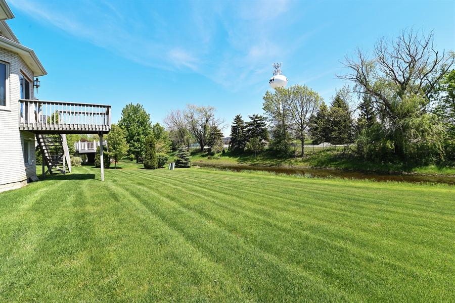 Real Estate Photography - 6812 Fieldstone Dr, Burr Ridge, IL, 60527 - Back Yard