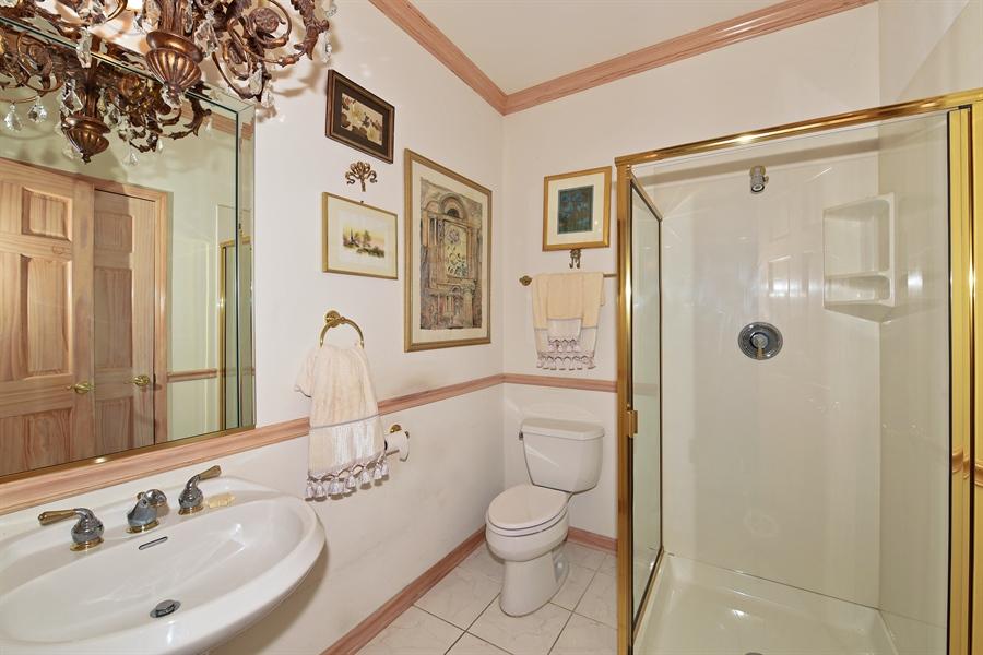 Real Estate Photography - 6812 Fieldstone Dr, Burr Ridge, IL, 60527 - Bathroom