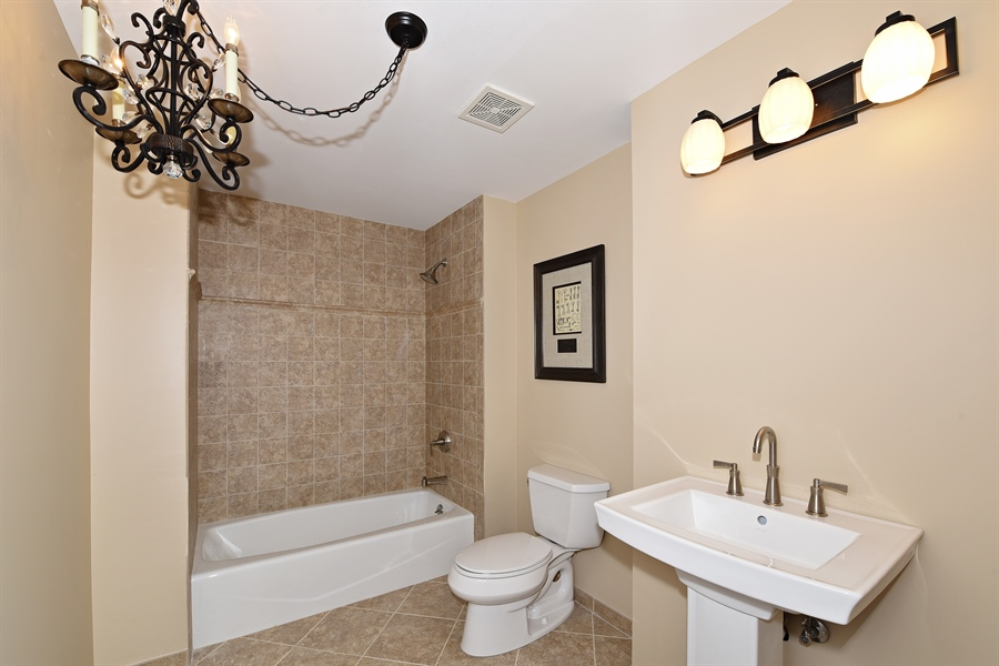 Real Estate Photography - 6812 Fieldstone Dr, Burr Ridge, IL, 60527 - 2nd Bathroom