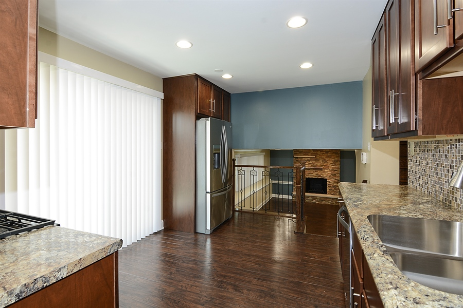 Real Estate Photography - 57 E 161st Pl, South Holland, IL, 60473 - Kitchen / Breakfast Room
