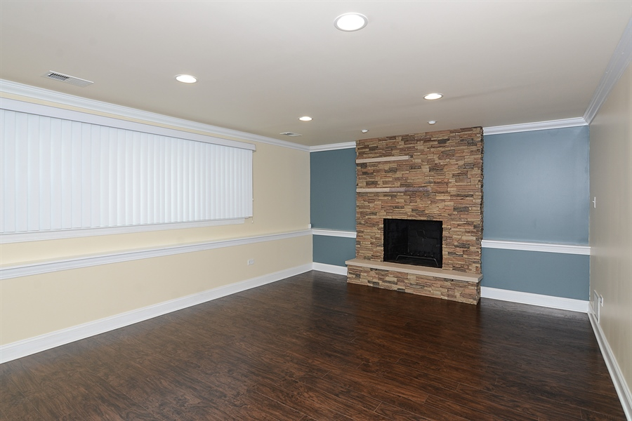 Real Estate Photography - 57 E 161st Pl, South Holland, IL, 60473 - Family Room