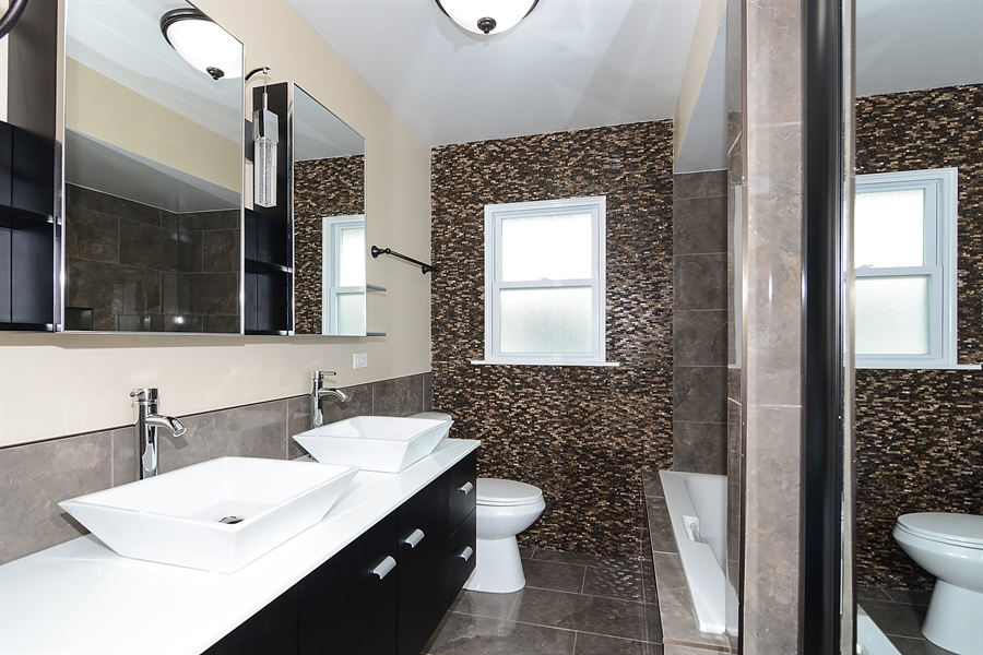 Real Estate Photography - 57 E 161st Pl, South Holland, IL, 60473 - Master Bathroom View #2