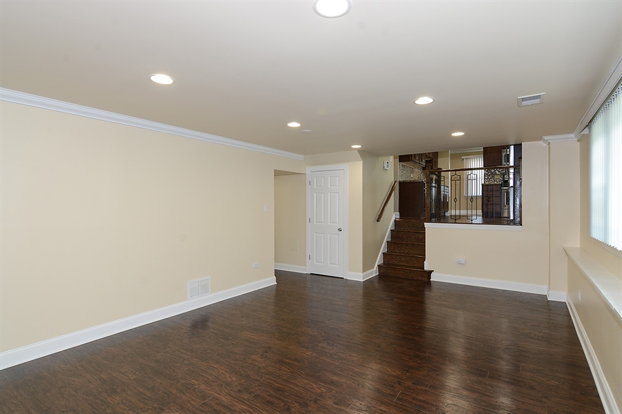 Real Estate Photography - 57 E 161st Pl, South Holland, IL, 60473 - Family Room / Kitchen