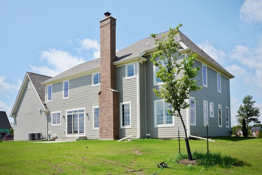 Real Estate Photography - 23245 Enclave Lane, Lot 25, Lake Barrington, IL, 60010 - Side View