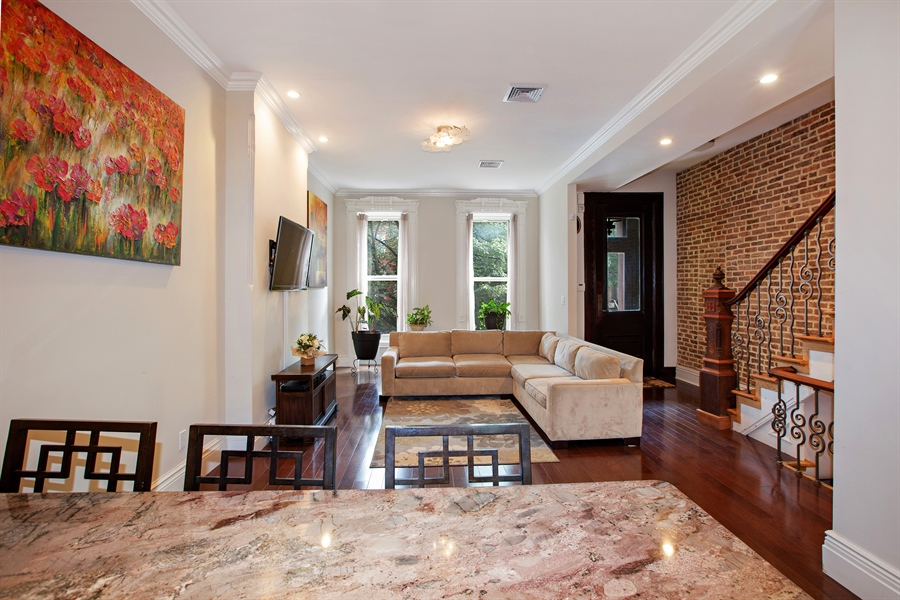 67 hart st brooklyn ny 11206 virtual tour for Living room brooklyn 86 st