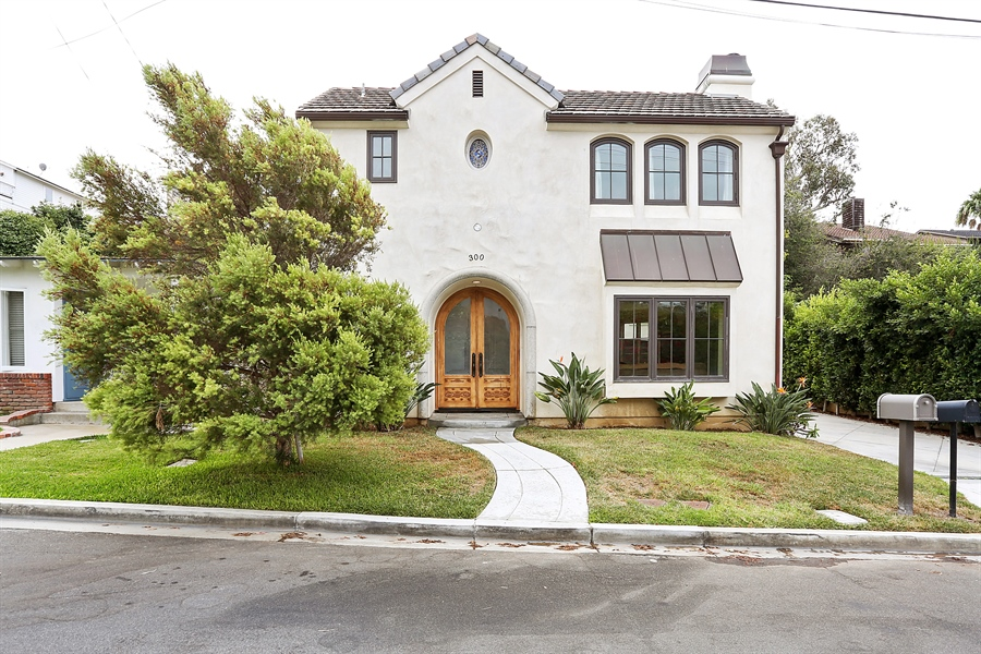 Real Estate Photography - 300 Catalina Dr, Newport Beach, CA, 92663 - Front View