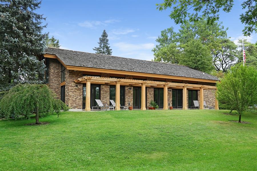 Real Estate Photography - 8400 Kearney, Downers Grove, IL, 60516 - Veranda