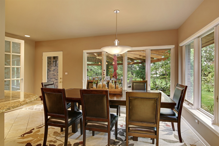 Real Estate Photography - 8400 Kearney, Downers Grove, IL, 60516 - Breakfast Area