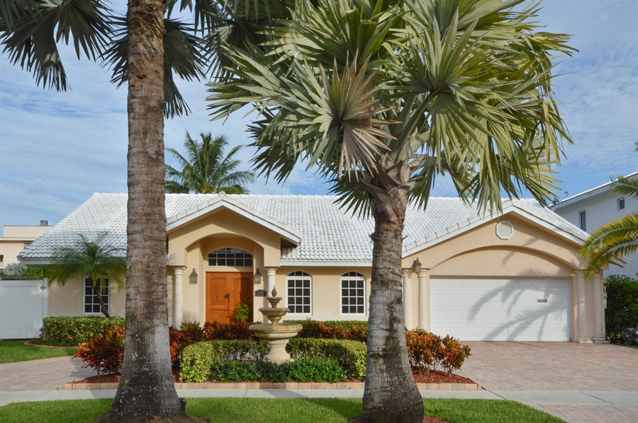 Real Estate Photography - 3900 NE 6th Dr., Boca Raton, FL, 33431 - Front View