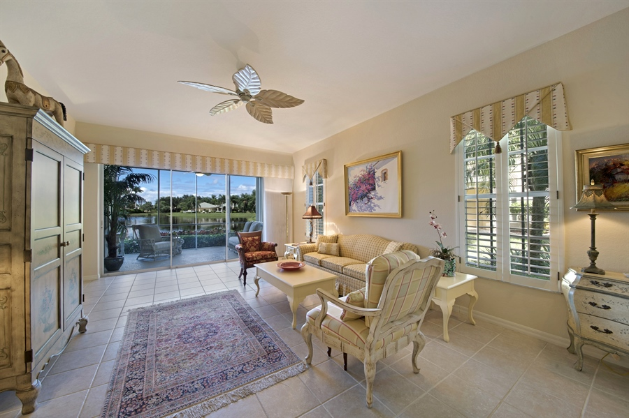 Real Estate Photography - 1905 Sevlle Blvd, Apt 312, Naples, FL, 34109 - Living Room