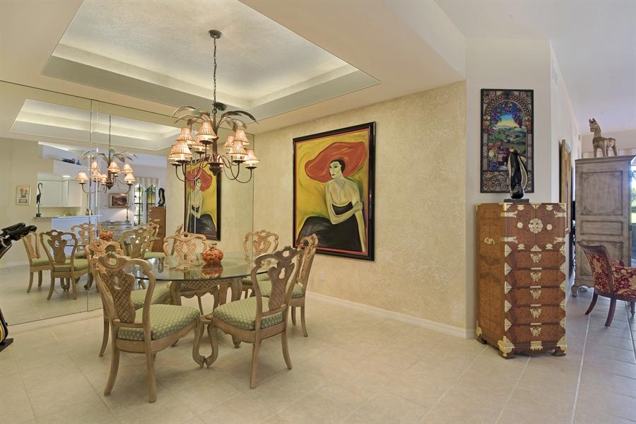 Real Estate Photography - 1905 Sevlle Blvd, Apt 312, Naples, FL, 34109 - Dining Room