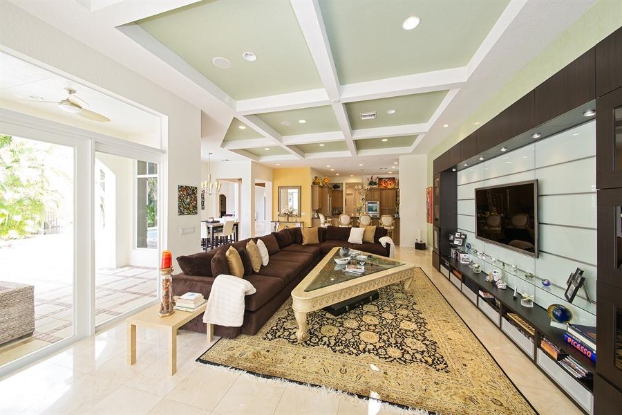 Real Estate Photography - 9556 Bridgebrook Dr, Boca Raton, FL, 33496 - Family Room / Kitchen
