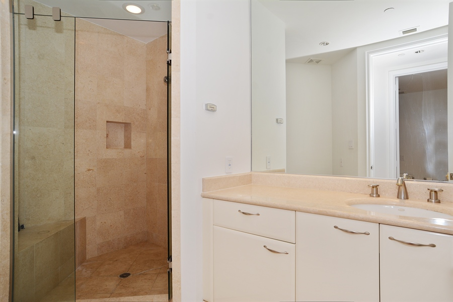 Real Estate Photography - 20155 NE 38th Ct, Apt 2103, Aventura, FL, 33180 - His bathroom