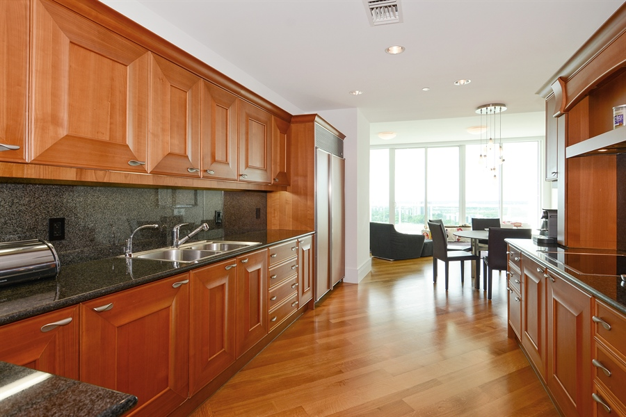 Real Estate Photography - 20155 NE 38th Ct, Apt 2103, Aventura, FL, 33180 - Kitchen