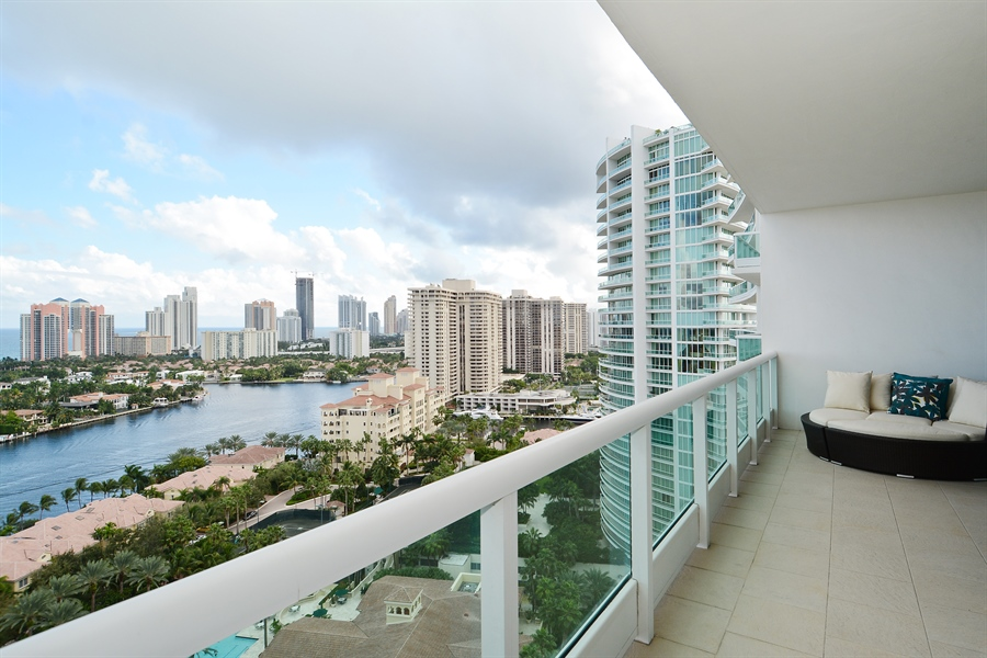 Real Estate Photography - 20155 NE 38th Ct, Apt 2103, Aventura, FL, 33180 - Balcony