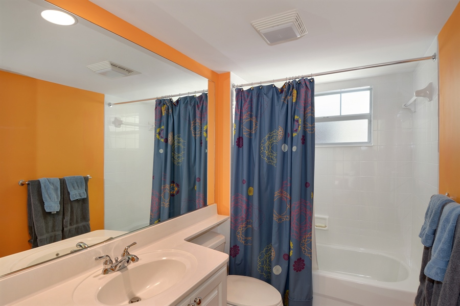 Real Estate Photography - 102 Castries Drive, Jupiter, FL, 33458 - 3rd Bathroom