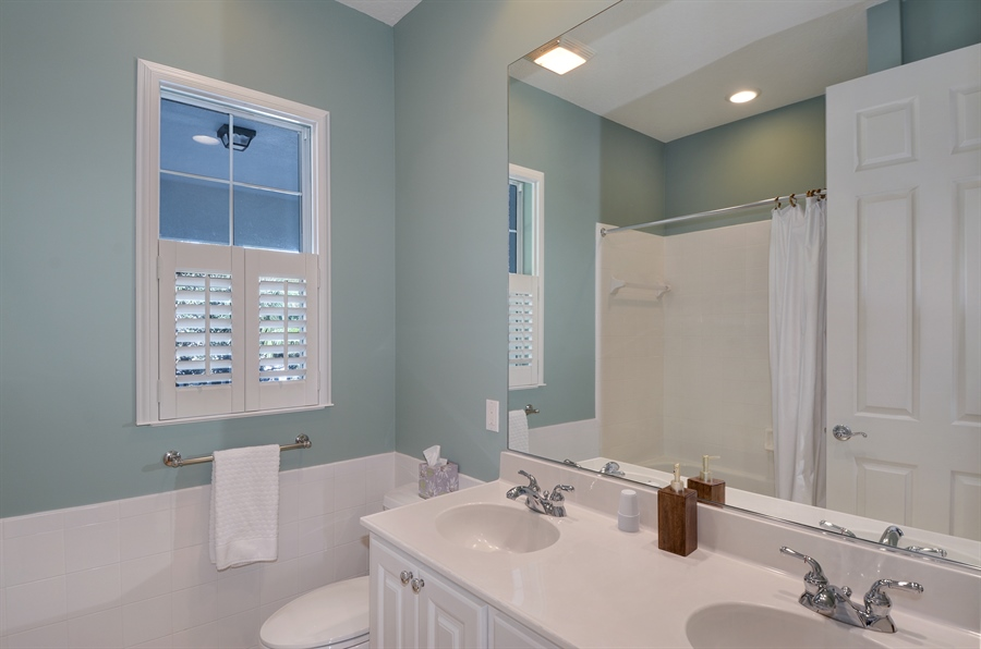 Real Estate Photography - 102 Castries Drive, Jupiter, FL, 33458 - 2nd Bathroom