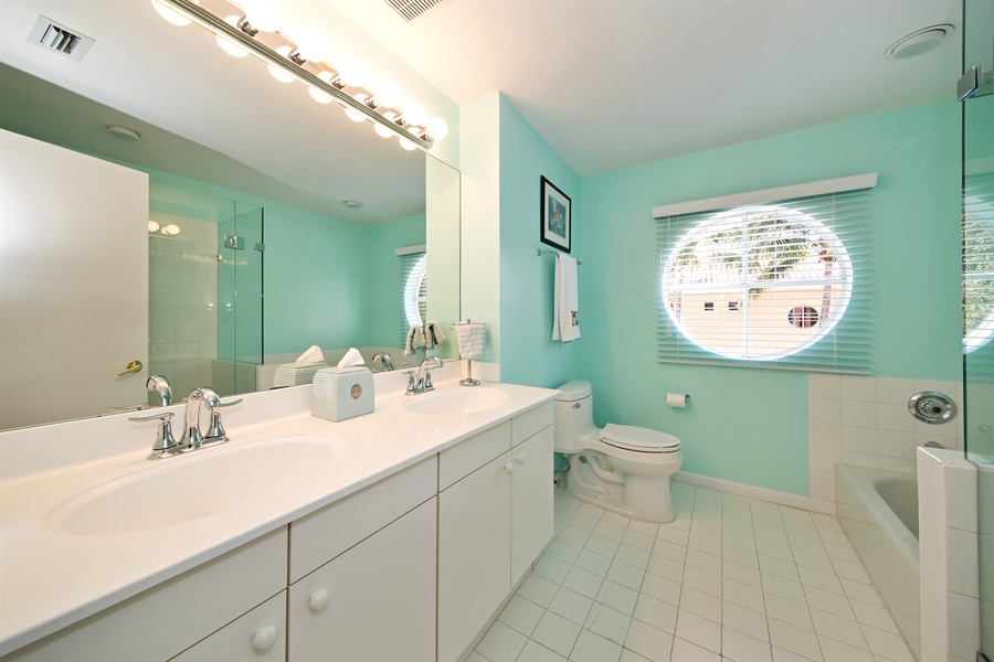 Real Estate Photography - 20808 NE 37th Ave, Aventura, FL, 33180 - 3rd Bathroom