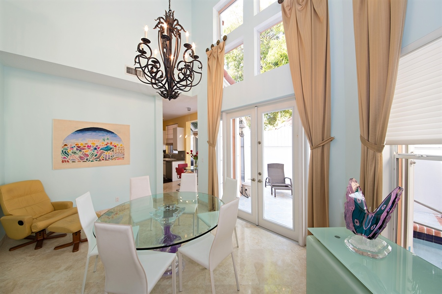 Real Estate Photography - 20808 NE 37th Ave, Aventura, FL, 33180 - Dining Room