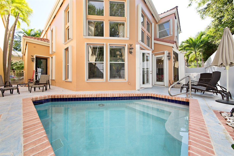 Real Estate Photography - 20808 NE 37th Ave, Aventura, FL, 33180 - Pool