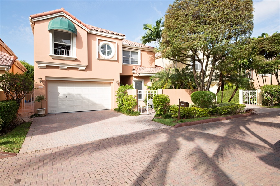 Real Estate Photography - 20808 NE 37th Ave, Aventura, FL, 33180 - Front View
