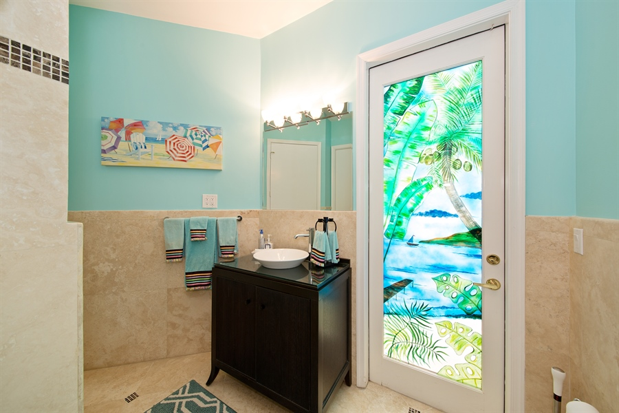 Real Estate Photography - 20808 NE 37th Ave, Aventura, FL, 33180 - 2nd Bathroom