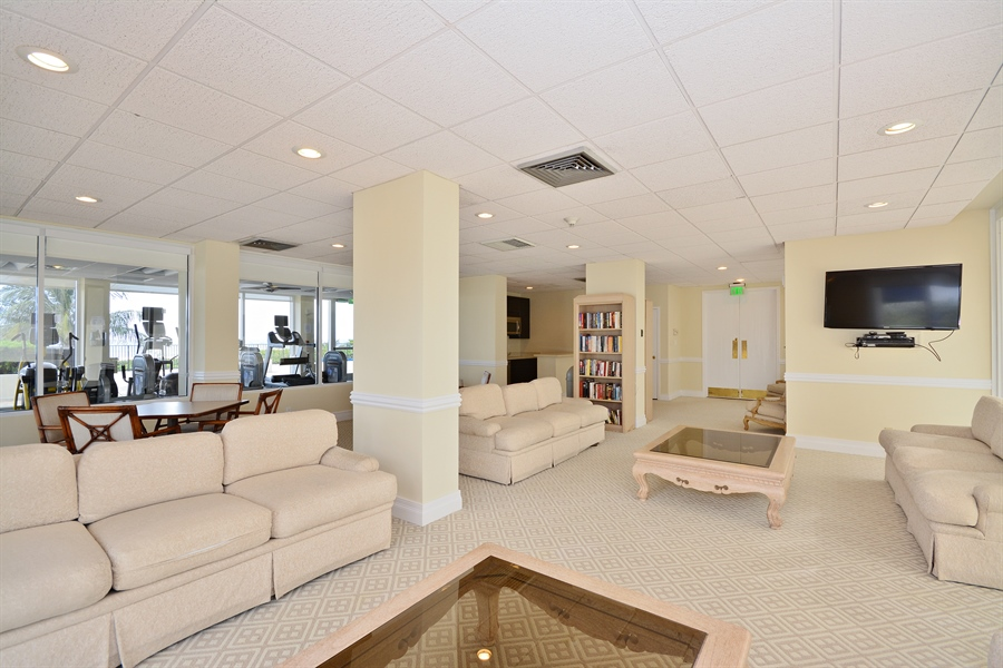 Real Estate Photography - 2800 S Ocean Blvd, Common Areas, Boca Raton, FL, 33432 - North Lounge