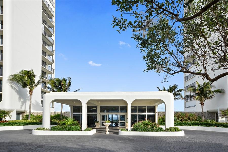 Real Estate Photography - 2800 S Ocean Blvd, Common Areas, Boca Raton, FL, 33432 - Portico