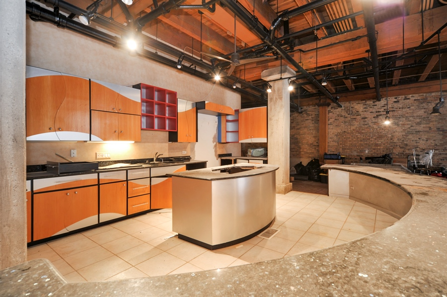 Real Estate Photography - 420 W Grand Ave, Unit 1A, Chicago, IL, 60654 - Kitchen