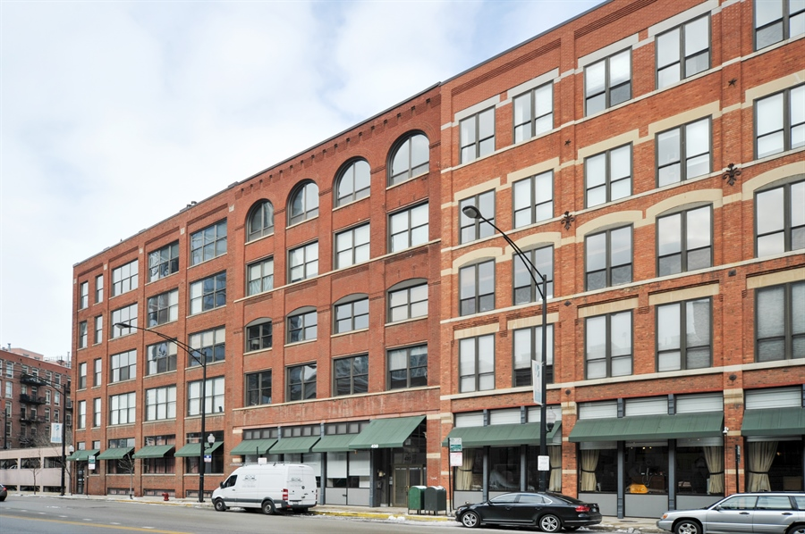Real Estate Photography - 420 W Grand Ave, Unit 1A, Chicago, IL, 60654 - Front View