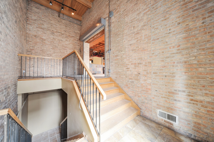 Real Estate Photography - 420 W Grand Ave, Unit 1A, Chicago, IL, 60654 - Hallway
