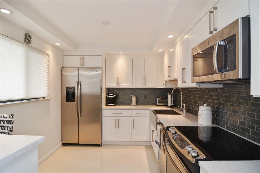 Real Estate Photography - 200 Ocean Trail Way, 902, Jupiter, FL, 33477 - Kitchen