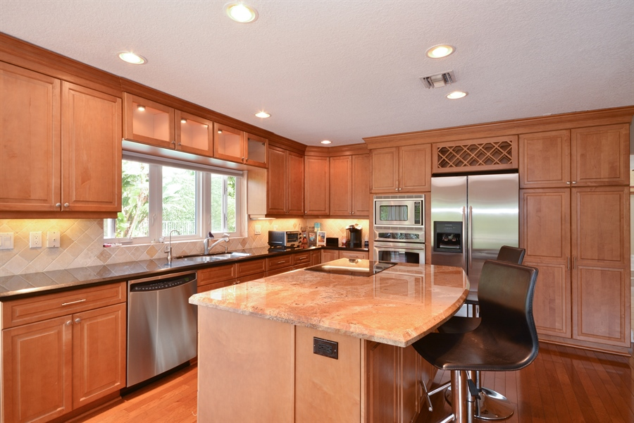 Real Estate Photography - 2799 NW 28th St, Boca Raton, FL, 33434 - Kitchen