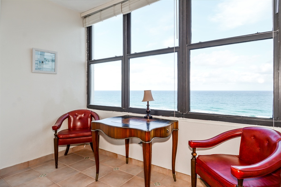 Real Estate Photography - 3505 S Ocean Dr, Unit 714, Hollywood, FL, 33019 - Breakfast Room