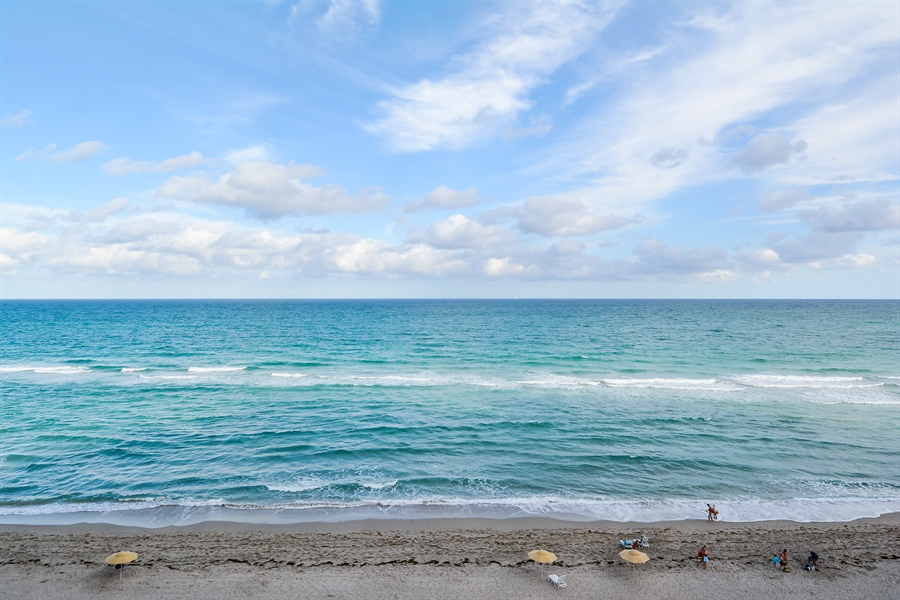 Real Estate Photography - 3505 S Ocean Dr, Unit 714, Hollywood, FL, 33019 - Ocean View