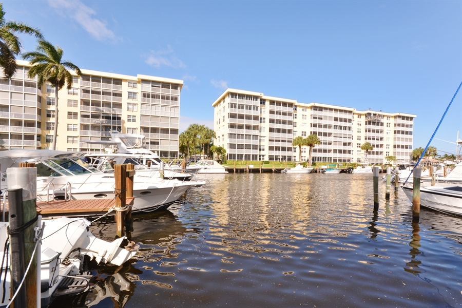 Real Estate Photography - 1 Harbourside, Unit 4307, Delray Beach, FL, 33483 - Dock